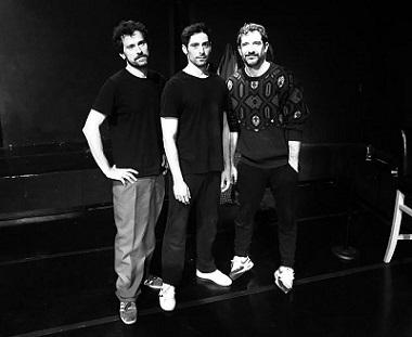 Alfredo Ramos, Andrés Acevedo y Pedro Casas, en principio se presentan como son jóvenes y guapos para explicarnos el porqué del proyecto