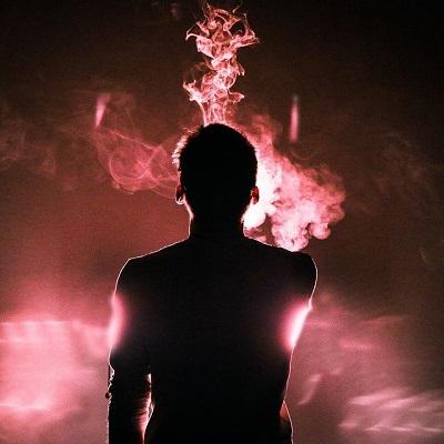 """""""Una fumarola es una emanación gaseosa bastante tranquila y regular que emerge de las grietas o agujeros agrupados en zonas volcánicas"""""""