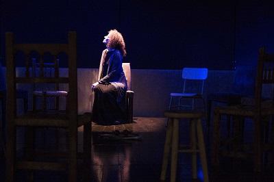 En la imagen la actriz Clara Sanchis, Teresa de Jesús en la obra de Juan Mayorga © Viviana Porras