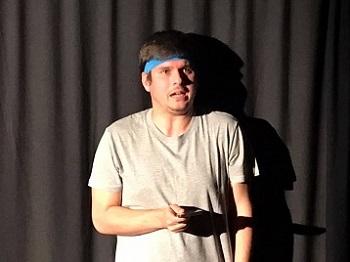 """El actor Jesús Lavi, es sólido en el escenario, y cuenta con una """"vis cómica"""", importante"""