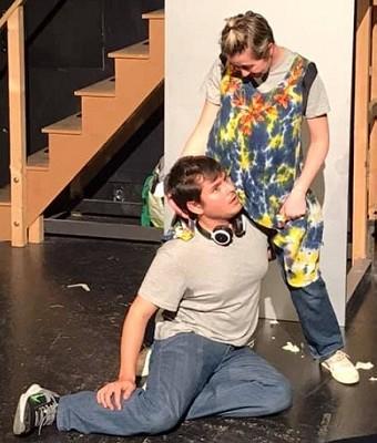 Collete Casas, y Jesús Lavi, una pareja de actores dotados para la comedia, y el público disfruta de su trabajo.