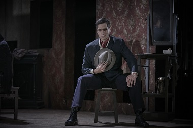 El actor Raúl Prieto es el guapo en ¡Nápoles millonaria! de Eduardo de Filippo, dirigida por Antonio Simón ©Jesus Ugalde