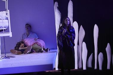 En la imagen los actores Mélida Molina Carlos Troya y Marina Salas ©Jesus Ugalde