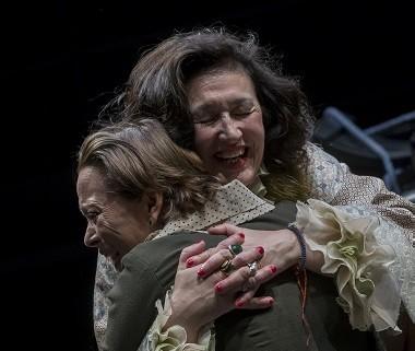 En la imagen las actrices María José Peris y Resu Belmonte, Carmen y Angelines en Tórtola