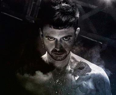"""En la imagen el actor Jesús Torres, que realiza un trabajo físico importante en """"Puños de harina"""" ©Moisés F. Acosta"""