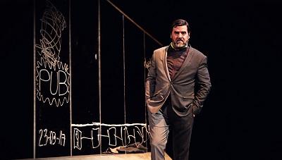 """En la imagen el actor Fernando Soto -Acebal- en """"El ciclista utópico"""" de Alberto de Casso y dirigida por Yayo Cáceres."""