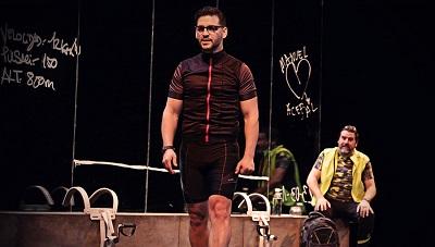 """En la imagen los actores Fran Perea -Manuel- y Fernando Soto -Acebal- y en """"El ciclista utópico"""" de Alberto de Casso, y dirigida por Yayo Cáceres."""
