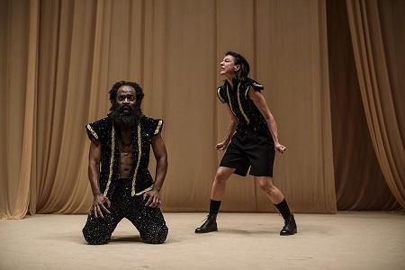 En la imagen Chumo Mata -Othello- y Ana Esmith -Yago- Foto Estrella Melero