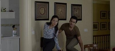 Los actores Raúl Cabrera y Jennifer Rubio en una secuencia de Victoria 2030 de Manuel Serrano