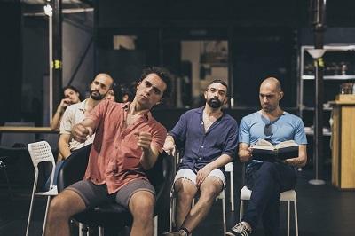 Los actores Pablo Chaves, Javier Ballesteros, Ángel Perabá y Néstor Roldán son los chicos de Clúster Comapía exlímite. (C)Luz Soria