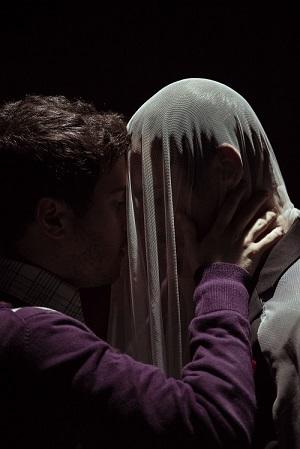 En la imagen los actores Fernando Sainz de la Maza y Rubén Frías en La noche que amé a Pasolini, de Pablo Martínez Bravo Foto Paul Rodríguez