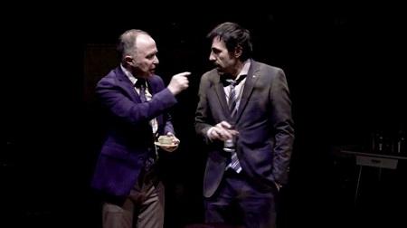 En la imagen los actores Luis Bermejo y Israel Elejalde, renacidos como colegas de partido corrupto Los Mariachis de Pablo Remón @Flora González Villanueva