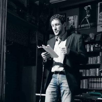 Antonio Maldonado Muñoz autor de Luminiscentes, galardonada con el Premio
