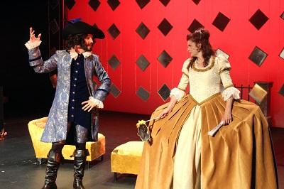 En la imagen el actor José María del Castillo -Don Enrique-, y Verónica Ronda -Doña Barroco- Burlas de Amor de Doña Barroco.
