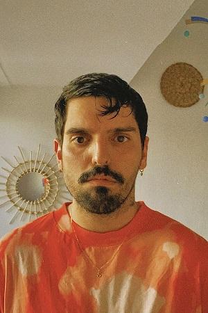 El artista sevillano Sebastián Delgado