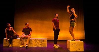 Rita Liarte, Javier Ruesga, Pablo Sevilla y Ángeles Calderón en un momento de la representación de Todos queríamos a Alber, de Ignacio del Moral, puesta en escena por Noelia Noriega.